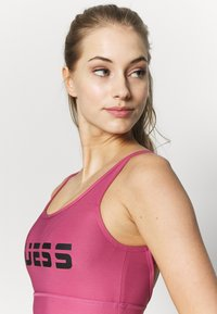 Guess - ACTIVE BRA - Sujetador deportivo - purple blush - 3