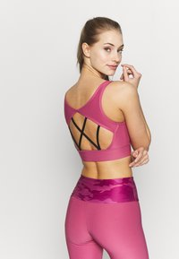 Guess - ACTIVE BRA - Sujetador deportivo - purple blush - 2