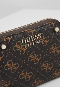 Guess - ALINE  - Portefeuille - brown/multi - 2
