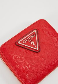 Guess - ASTRID SMALL ZIP AROUND - Lommebok - red - 2