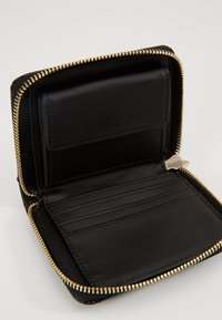 Guess - ASTRID SMALL ZIP AROUND - Wallet - black - 5