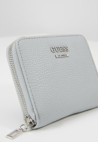 Guess - LIAS SMALL ZIP AROUND - Lommebok - blue - 2