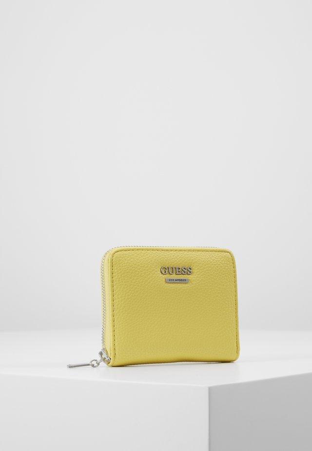 LIAS SMALL ZIP AROUND - Portemonnee - yellow