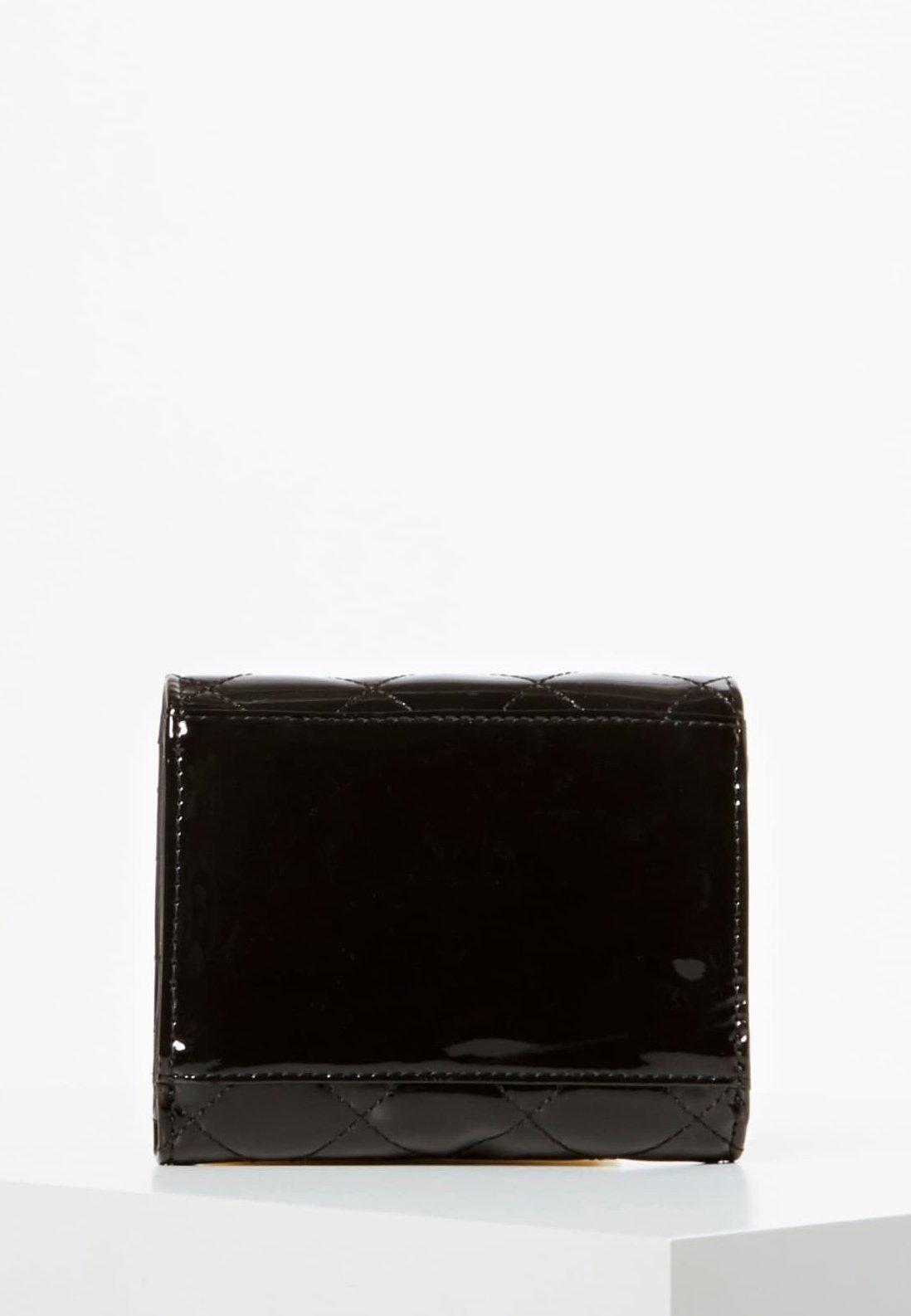 Guess Mini-portemonnaie Melise Lackoptik - Geldbörse Schwarz