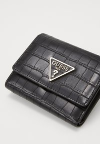 Guess - MADDY SMALL TRIFOLD - Portefeuille - black - 3