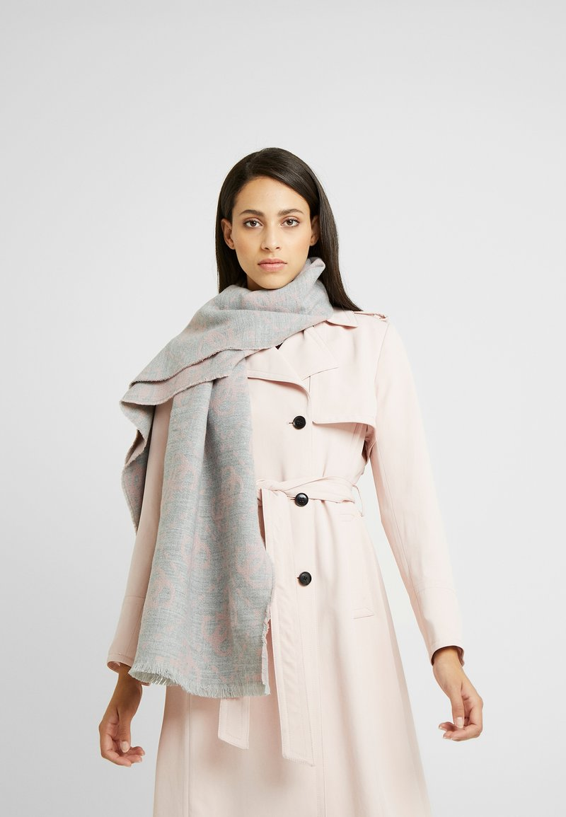 Guess - NOT COORDINATED SCARF - Szal - grey