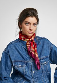 Guess - FOULARD - Scarf - red - 0