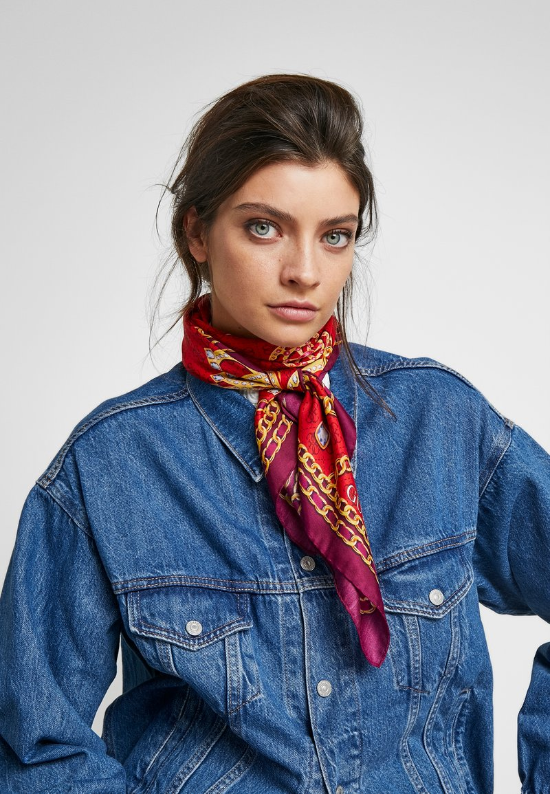 Guess - FOULARD - Scarf - red