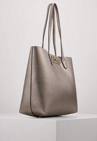 Guess - UPTOWN CHIC BARCELONA TOTE SET - Tote bag - pewter - 3