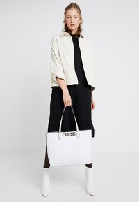 Guess - UPTOWN - Tote bag - white - 1