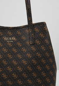 Guess - VIKKY TOTE SET - Torebka - brown - 8