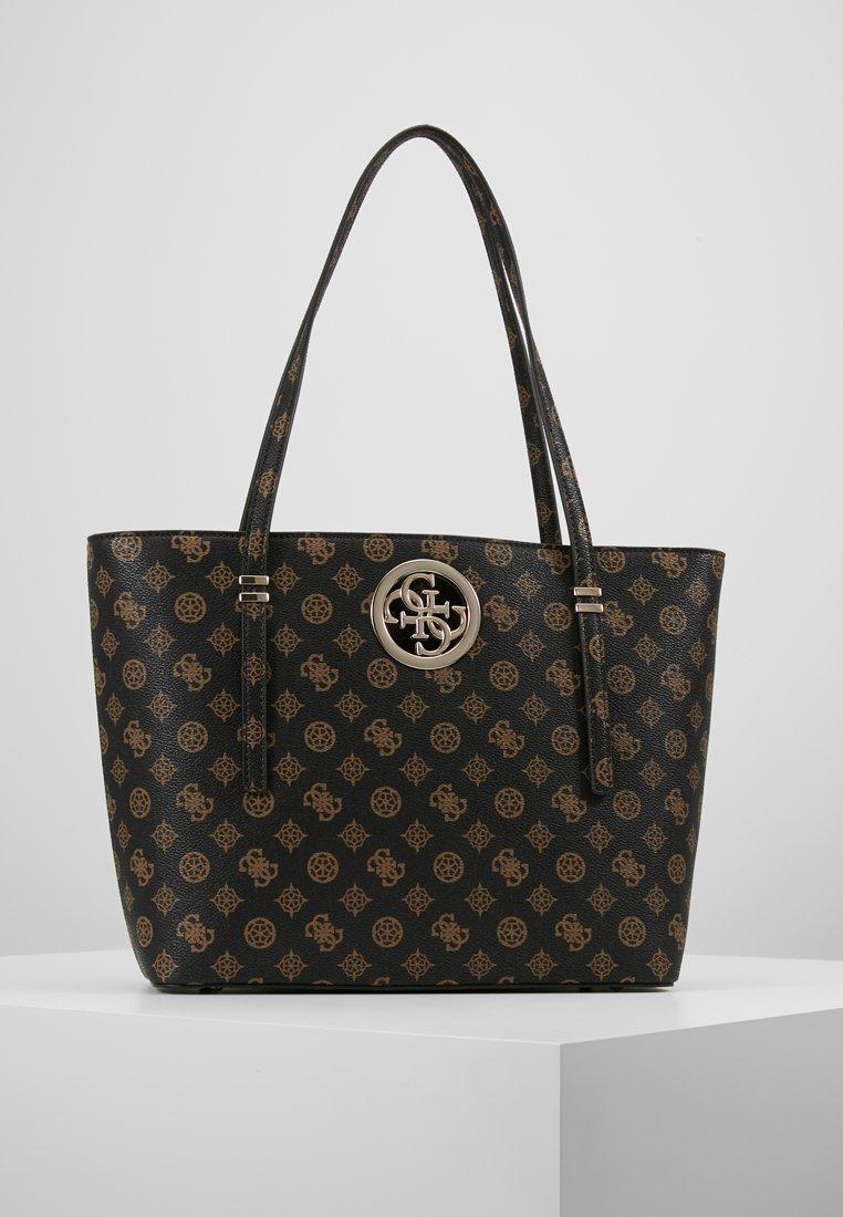 Guess - OPEN ROAD TOTE - Håndtasker - brown
