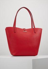 Guess - ALBY TOGGLE TOTE SET - Handbag - lipstick - 0