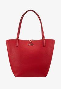 Guess - ALBY TOGGLE TOTE SET - Handbag - lipstick - 6