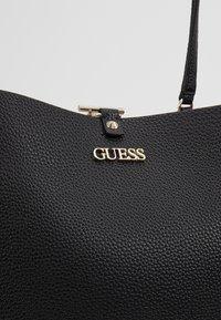 Guess - ALBY TOGGLE TOTE SET - Handbag - black - 8