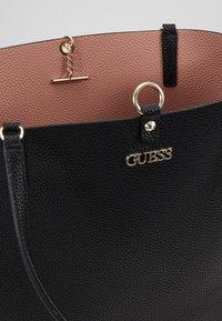 Guess - ALBY TOGGLE TOTE SET - Handbag - black - 4