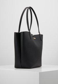 Guess - ALBY TOGGLE TOTE SET - Handbag - black - 3