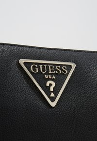 Guess - MICHY MINI DOUBLE ZIP XBODY - Bandolera - black - 6