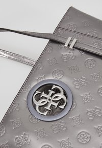 Guess - OPEN ROAD TOTE - Handbag - pewter - 6