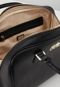 Guess - CALISTA BOX SATCHEL - Borsa a mano - black - 4