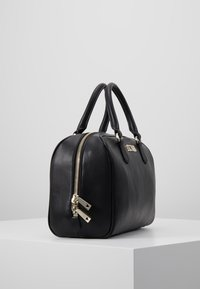 Guess - CALISTA BOX SATCHEL - Borsa a mano - black - 3