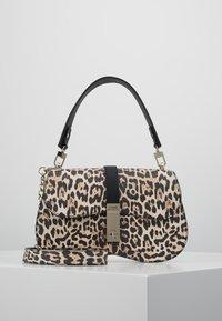 Guess - ASHER SHOULDER BAG - Taška spříčným popruhem - brown - 0
