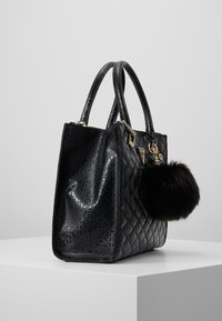 Guess - ASTRID LARGE STATUS SATCHEL - Handtas - black - 3