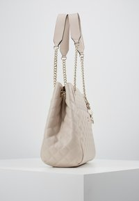 Guess - BRIELLE GIRLFRIEND SATCHEL - Kabelka - taupe - 3