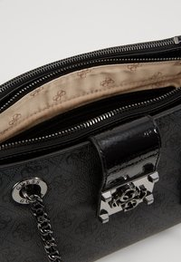 Guess - LOGO CITY SOCIETY SATCHEL - Handbag - coal - 4