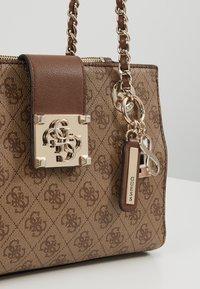 Guess - LOGO CITY SML SOCIETY SATCHEL - Handbag - brown - 6