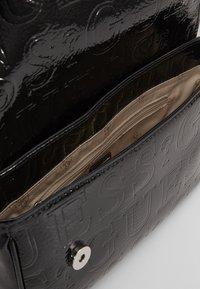 Guess - BRIGHTSIDE SHOULDER BAG - Handbag - black - 4
