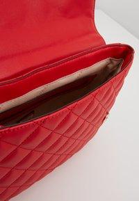 Guess - MELISE SHOULDER BAG - Bolso de mano - red - 6