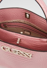 Guess - UPTOWN CHIC - Handbag - pink - 4