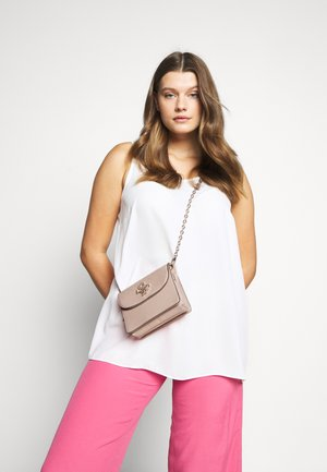 CHIC SHINE MINI CROSSBODY FLAP - Bandolera - blush