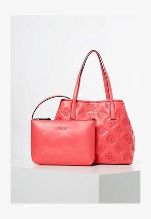 GUESS SHOPPER VIKKY GESTICKTES LOGO - Shopping bag - rose