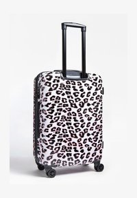 Guess - GUESS TROLLEY LORENNA ANIMALPRINT - Valise à roulettes - rose - 2