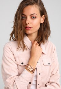 Guess - LADIES TREND - Hodinky - rosegold-coloured - 0