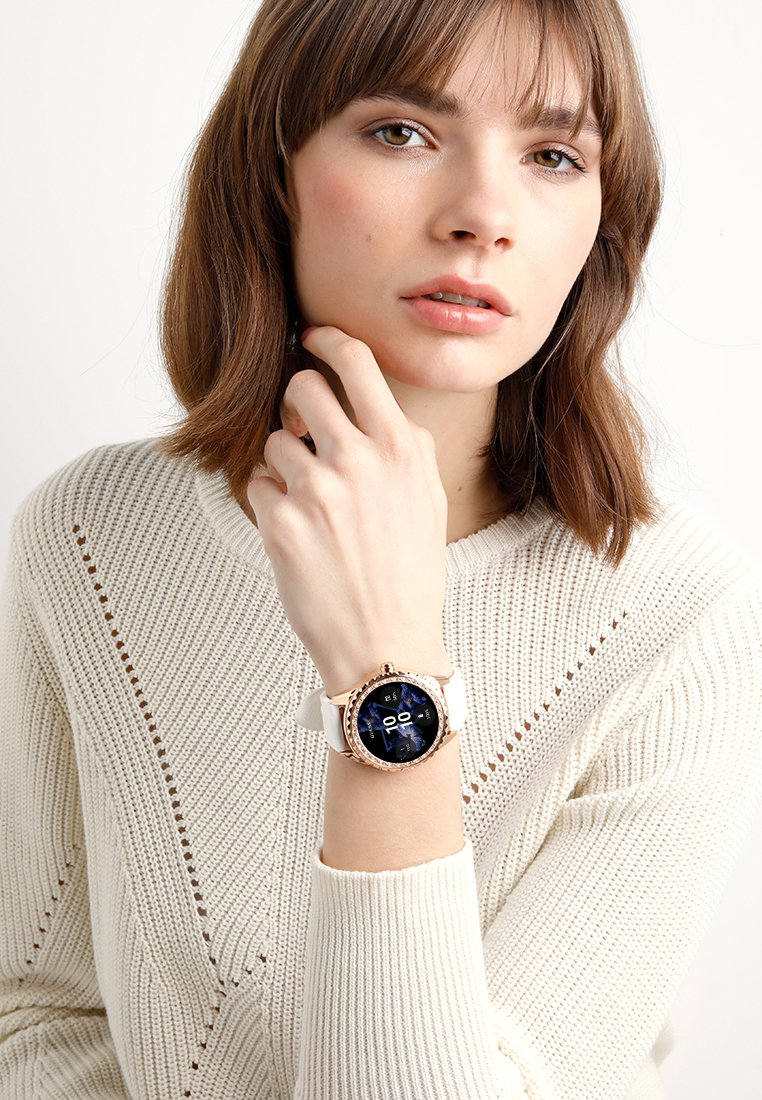 Guess - SMART WATCH - Montres connectées - rose gold-coloured/white