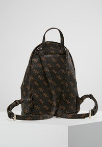 Guess - LEEZA SMALL BACKPACK - Ryggsäck - brown - 2