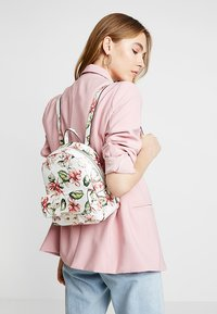 Guess - TIGGY BOWERY BACKPACK - Rugzak - multicolor - 1