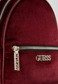 Guess - RONNIE BACKPACK - Mochila - merlot - 6