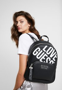Guess - HAIDEE LARGE - Mochila - black - 1