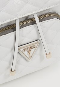Guess - ASTRID BACKPACK - Batoh - white - 6