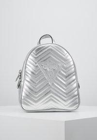 Guess - ZANA BACKPACK - Reppu - silver - 0