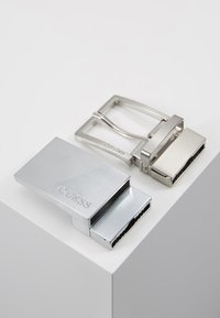 Guess - GIFT BOX W/2 BUCKLES - Belt - black - 5