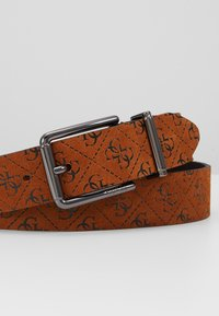Guess - MANHATTAN ADJUSTABLE BELT - Pásek - cognac - 2