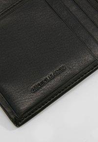 Guess - NEW BOSTON BILLFOLD COIN - Peněženka - black - 6