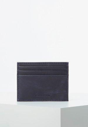 GUESS KREDITKARTENETUI TREVIS ECHTES LEDER LUXE - Business card holder - blau