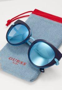 Guess - INJECTED - Sunglasses - dark blue/light blue - 2