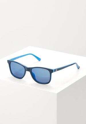 INJECTED - Sluneční brýle - blue